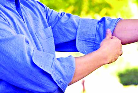 b47e9af8fa8 3 methods for rolling your shirt sleeves. Rolling method  1  The casual  forearm roll. A casual shirt roll that is also