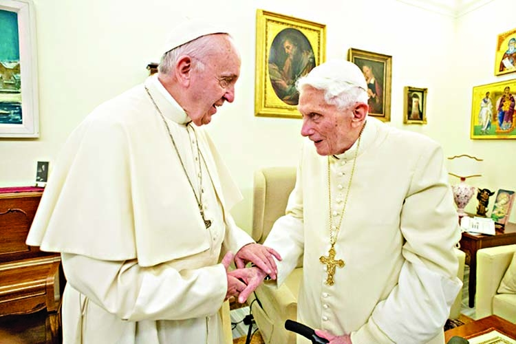Ex-Pope rejects opening up priesthood to married men
