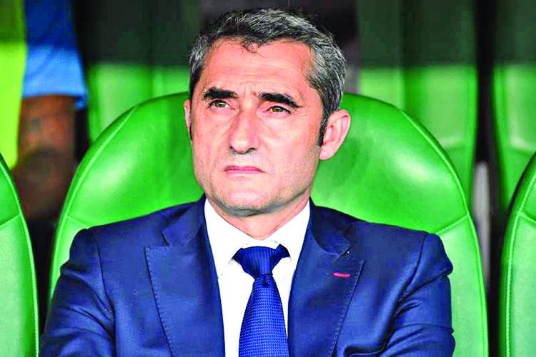 Barcelona sack Valverde, appoint Setien until 2022