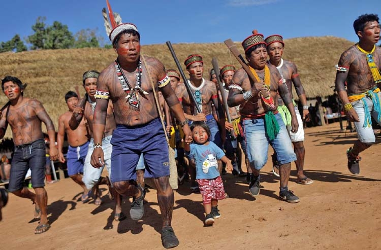 Amazon tribes gather to plan resistance to Brazil government