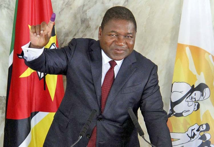 Mozambique's Nyusi begins 2nd term
