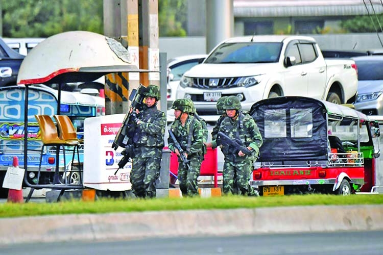 Thai gunman among 27 dead in mass shooting