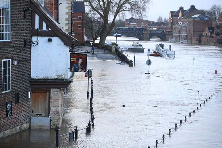 Death toll rises as storm moves across Europe