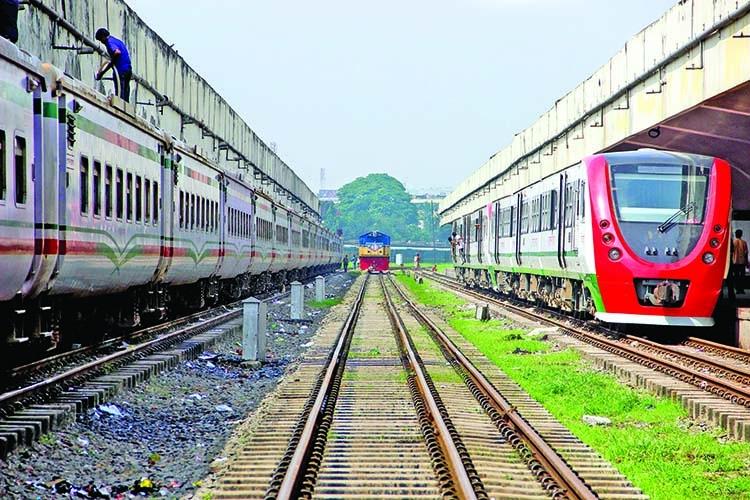 Bangladesh Railway: Unhygienic and unhealthy environment