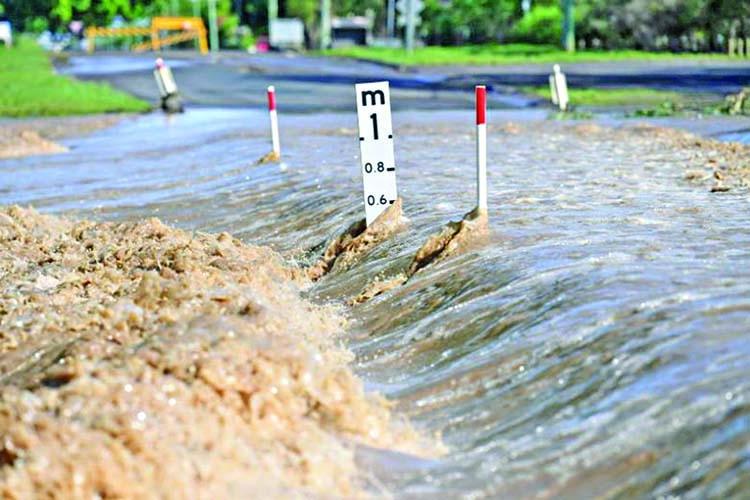 Floods fail to end Sydney's drought