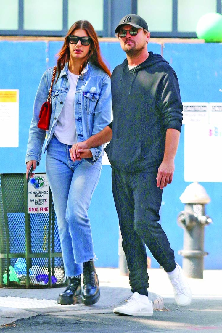 DiCaprio, Morrone bring their romance to Oscar
