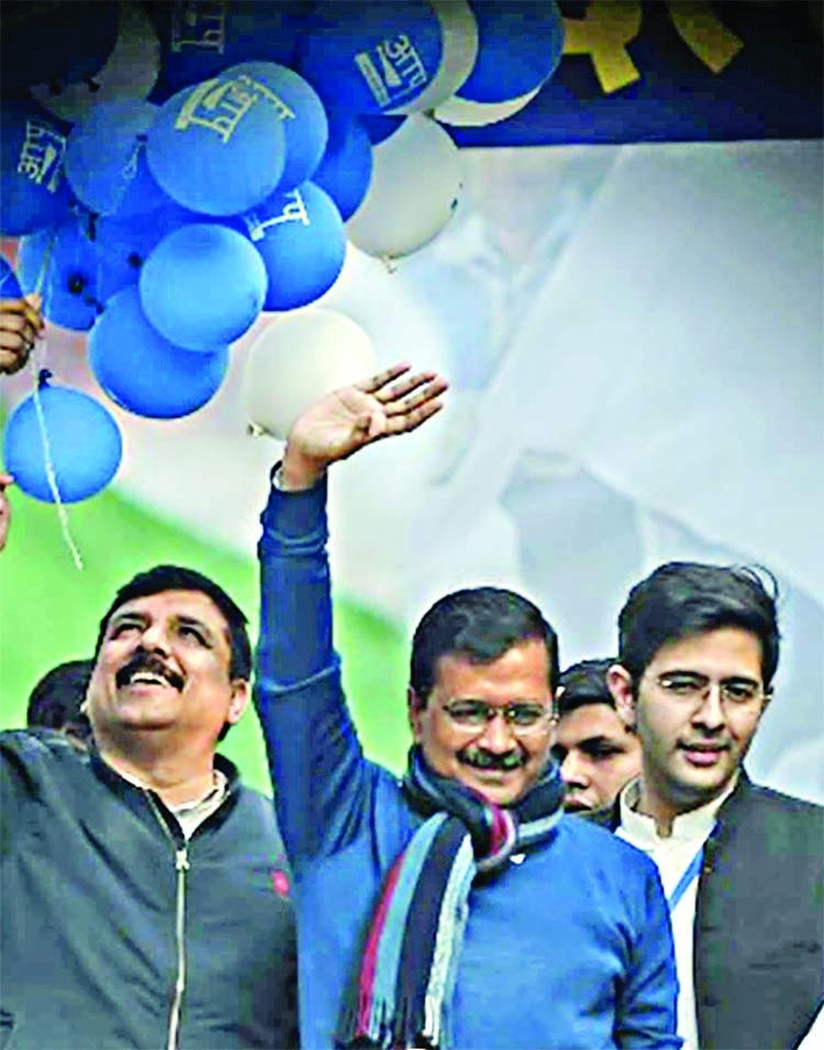 AAP sweeps Delhi with 62 seats