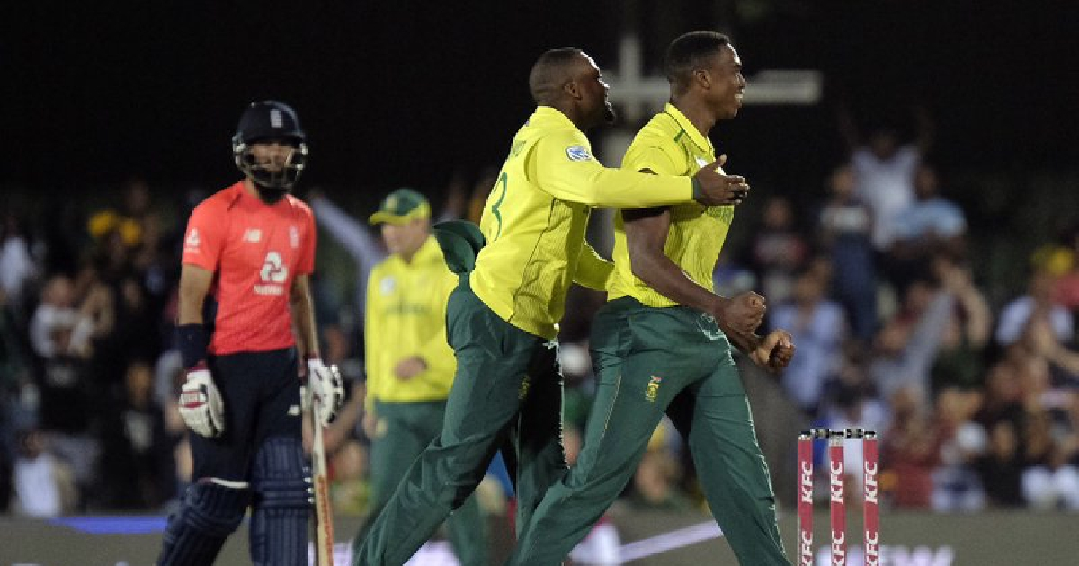 South Africa beats England by 1 run in tense Twenty20