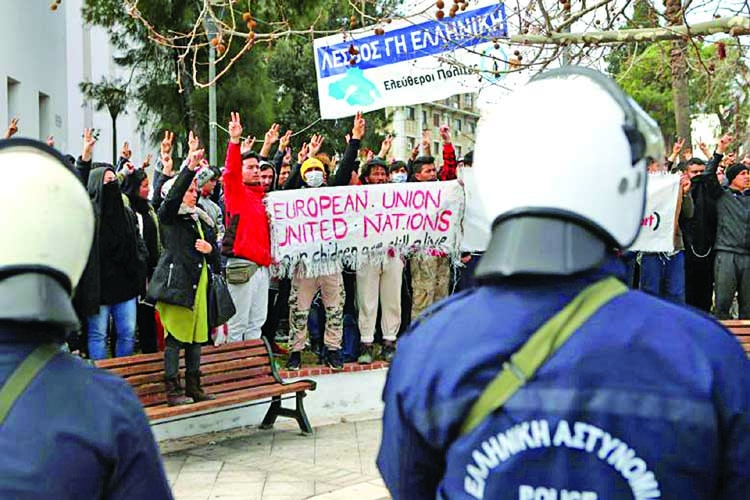 Greek islanders anti-camp protest goes to Athens