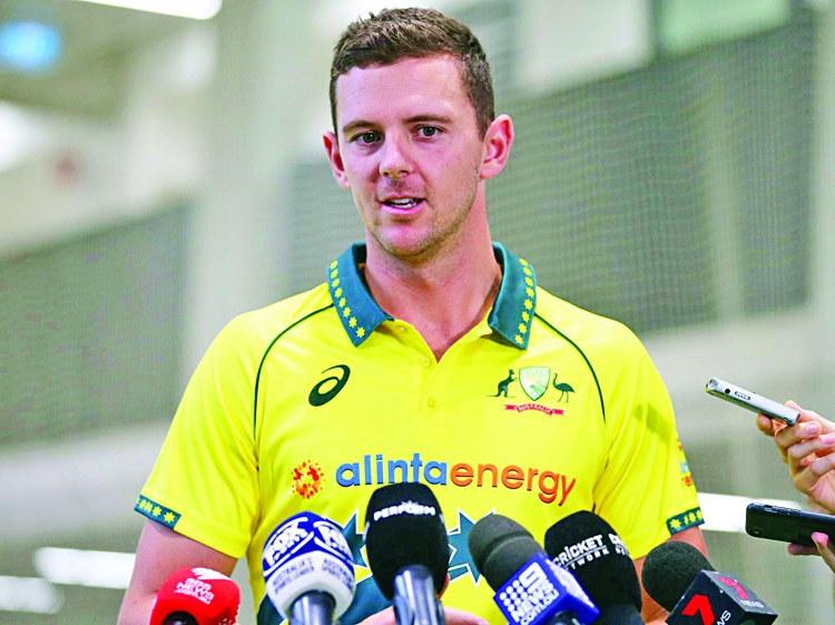 'Smith, Warner must 'ride the storm' in SA'