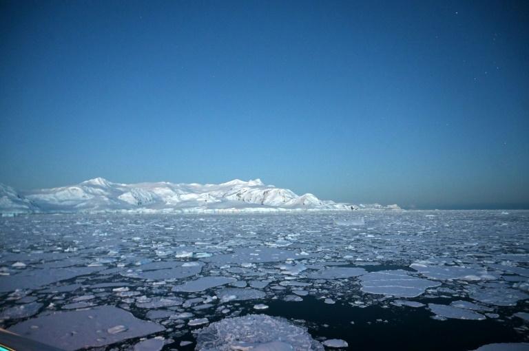 Antarctica temperature hits record 20C