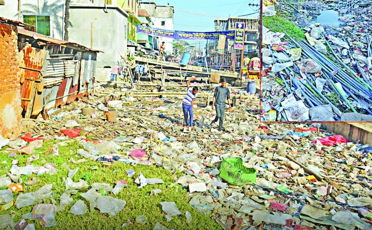 Polythene pollution is growing in ctg