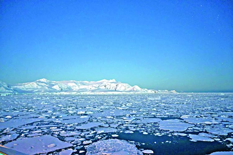 Antarctica registers record temperature