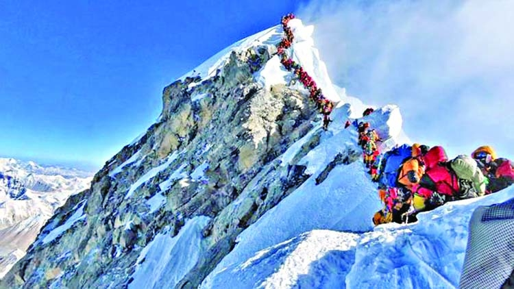 Sherpas slam plan to clean up Everest