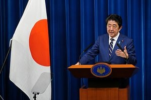 Abe: Flex hours, work style among key steps to fight virus