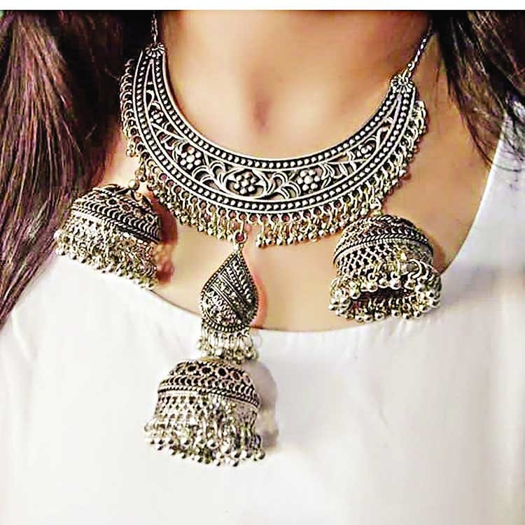 Coordinate jewelry with your outfit