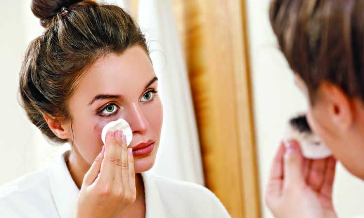 Remove makeup without toxic chemicals