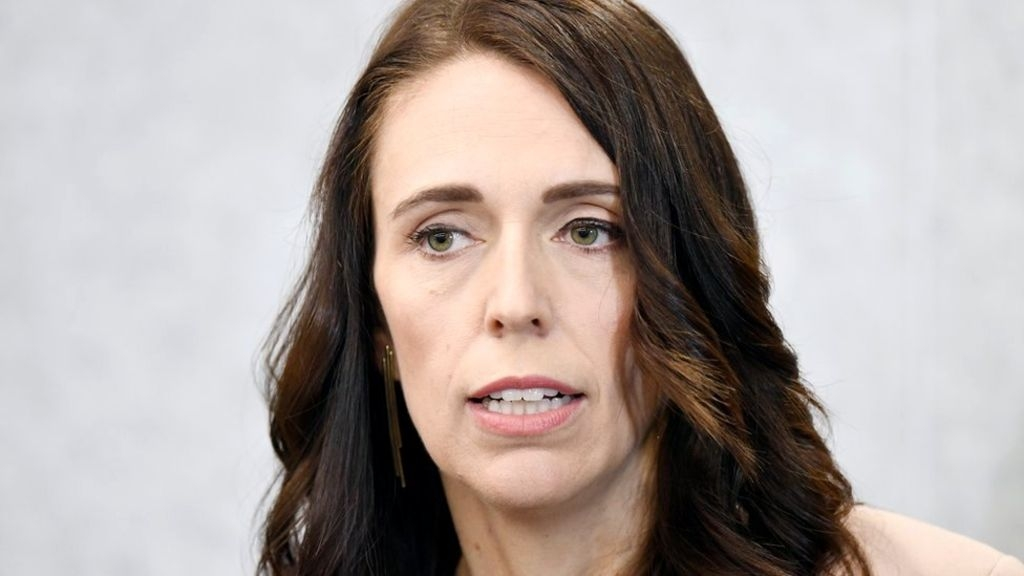 New Zealand passes law decriminalising abortion