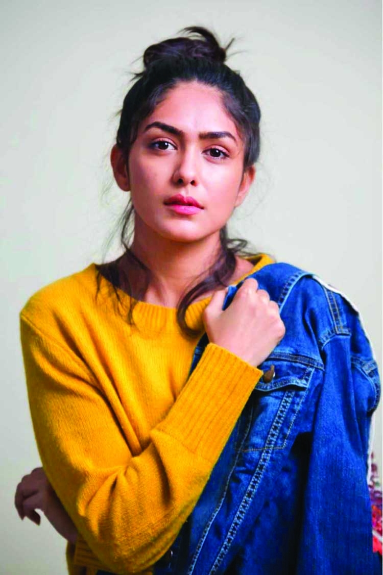 I am blessed to work with Farhan: Mrunal