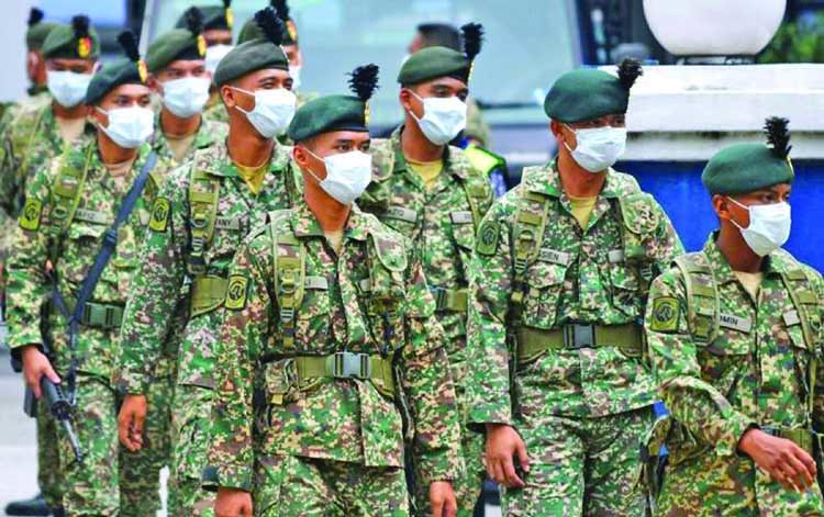 Army patrols Malaysian streets
