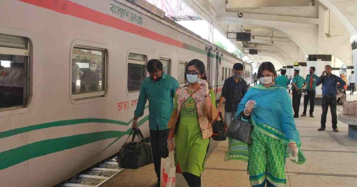 Coronavirus: Bangladesh shuts train services