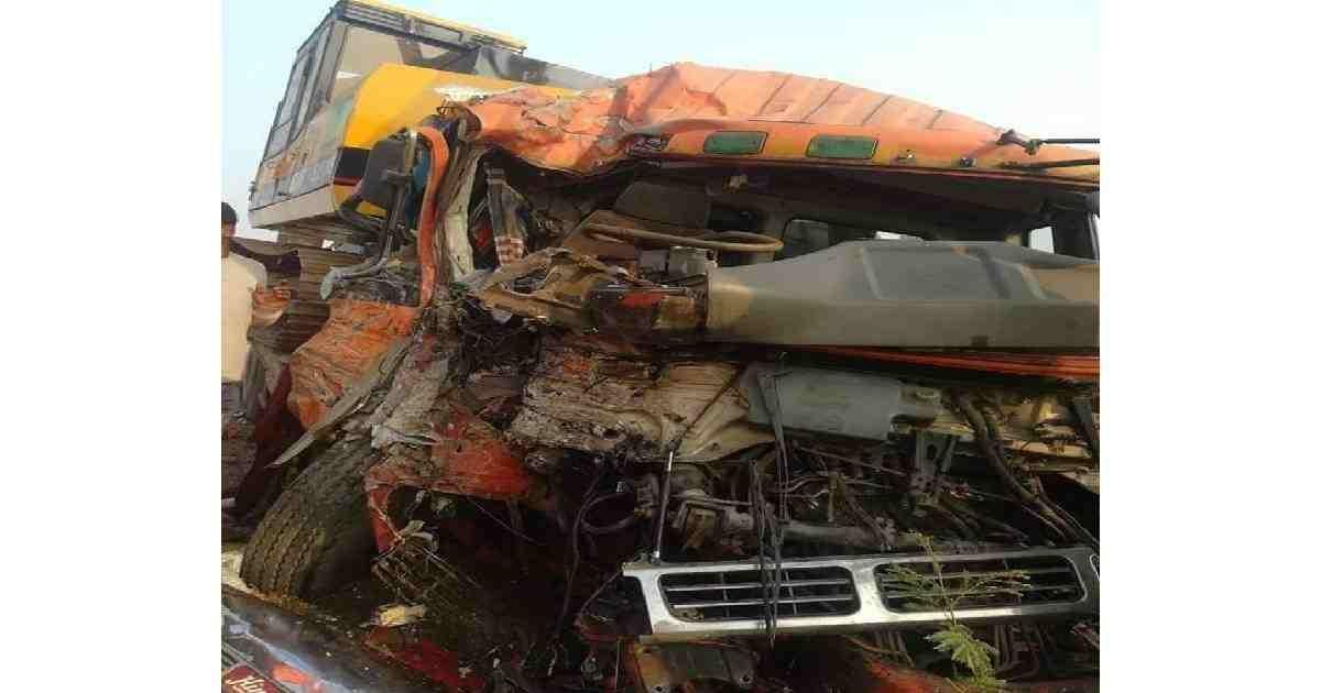 4 killed in Rajshahi, Kushtia road crashes