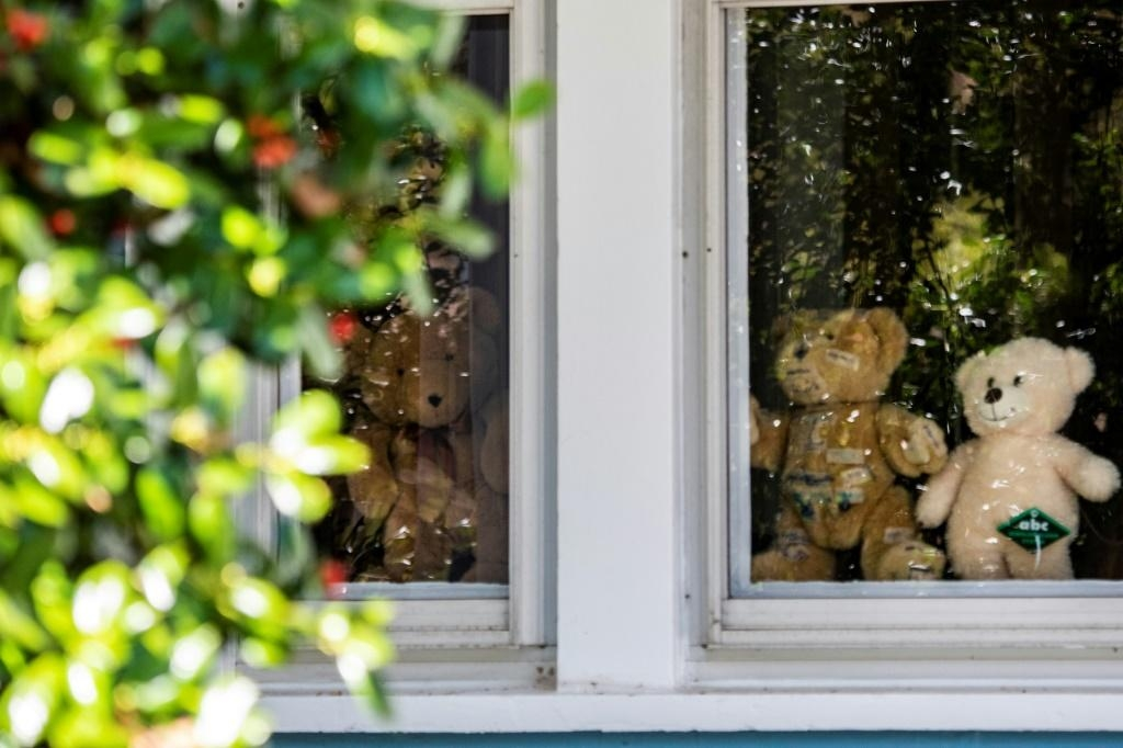 In Washington, bear hunts delight kids under lockdown