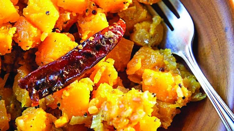 Stir-fried orange pumpkin