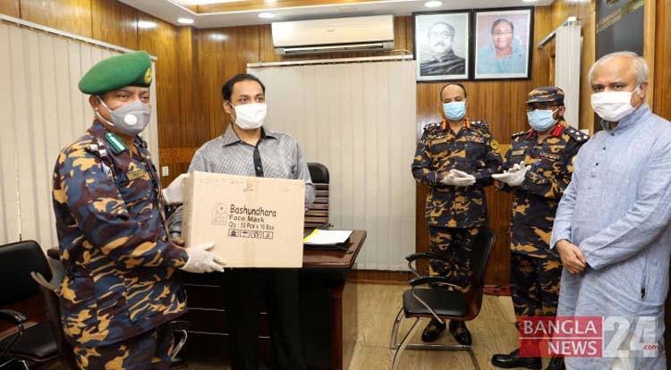 Bashundhara Group provides 25,000 masks, 3,000 PPE for Ansar, VDP