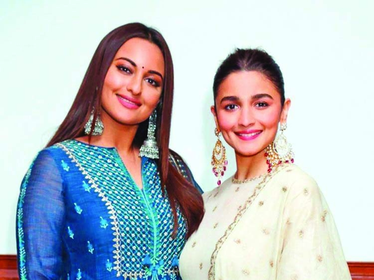 Alia supports Sonakshi in her 'bid for good' initiative