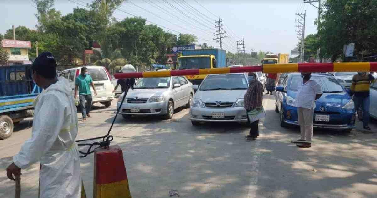 Coronavirus: Strict monitoring on highways to prevent transport movement ahead of Eid