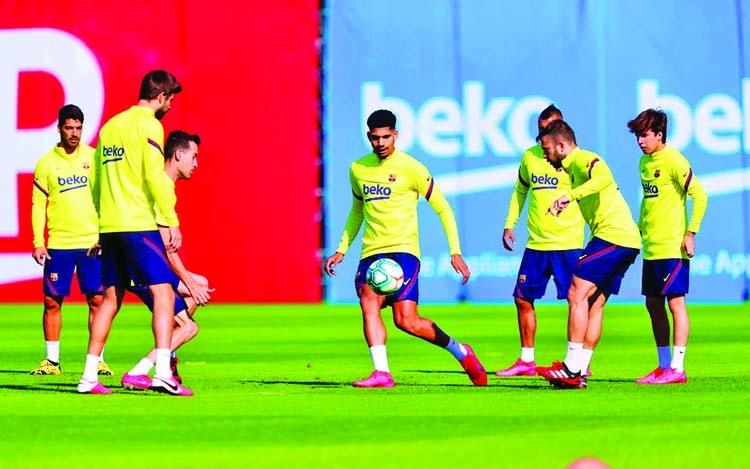 Spanish clubs begin group training as La Liga eyes June restart