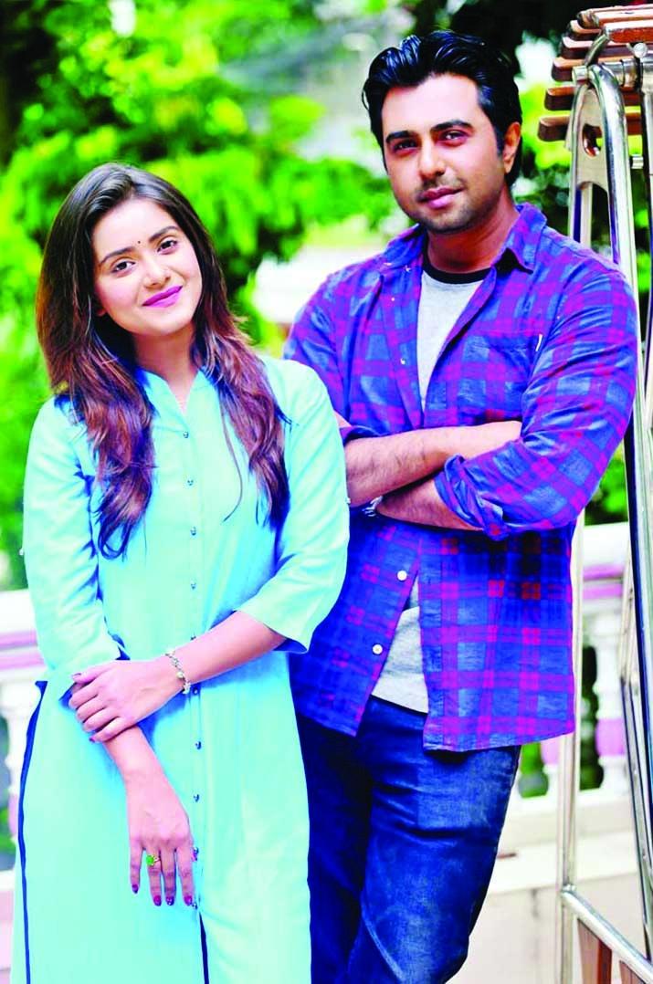 Romantic story 'Hathat Dekha'