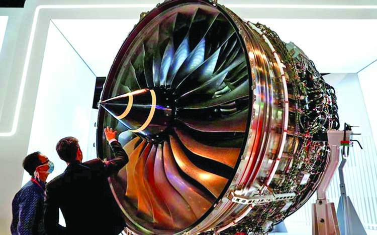 Rolls-Royce to axe 9,000 jobs