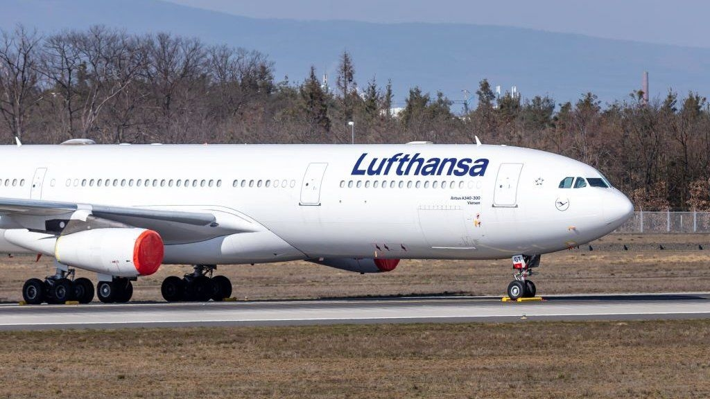 Lufthansa agrees €9bn rescue deal with Germany