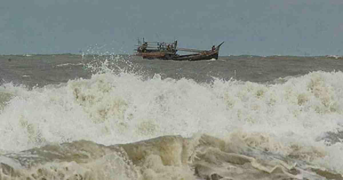 Maritime ports asked to hoist cautionary signal 3