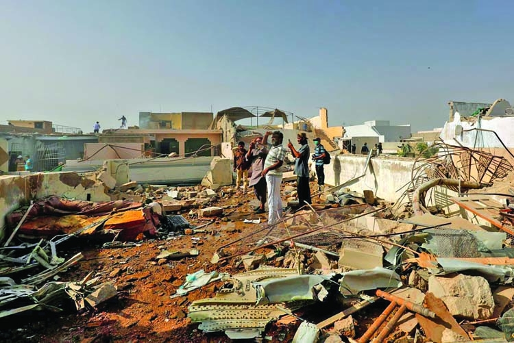 'Pilots in Pakistan air crash distracted by virus worry'