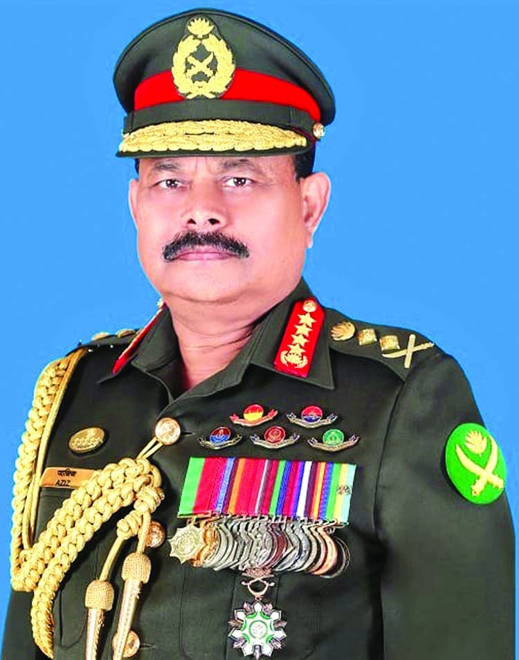 Army Chief gives instructive speech to colleagues