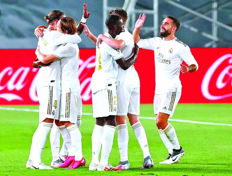 Ramos free-kick sends Real back to top of La Liga