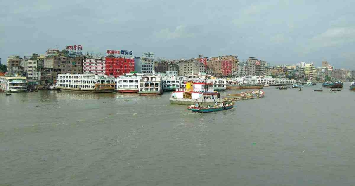 Launch sinks in Buriganga with over '50 passengers'