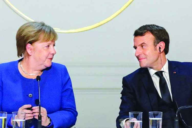 Merkel, Macron meet a day before EU summit