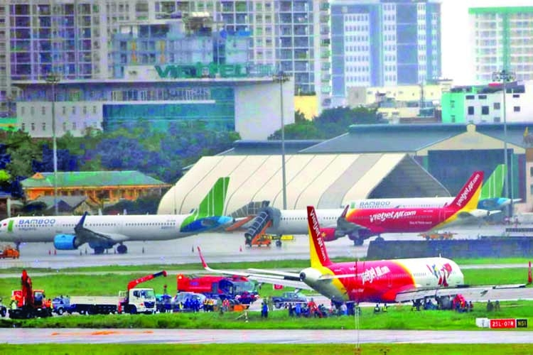 Dubious licences: Vietnam grounds all Pakistani pilots