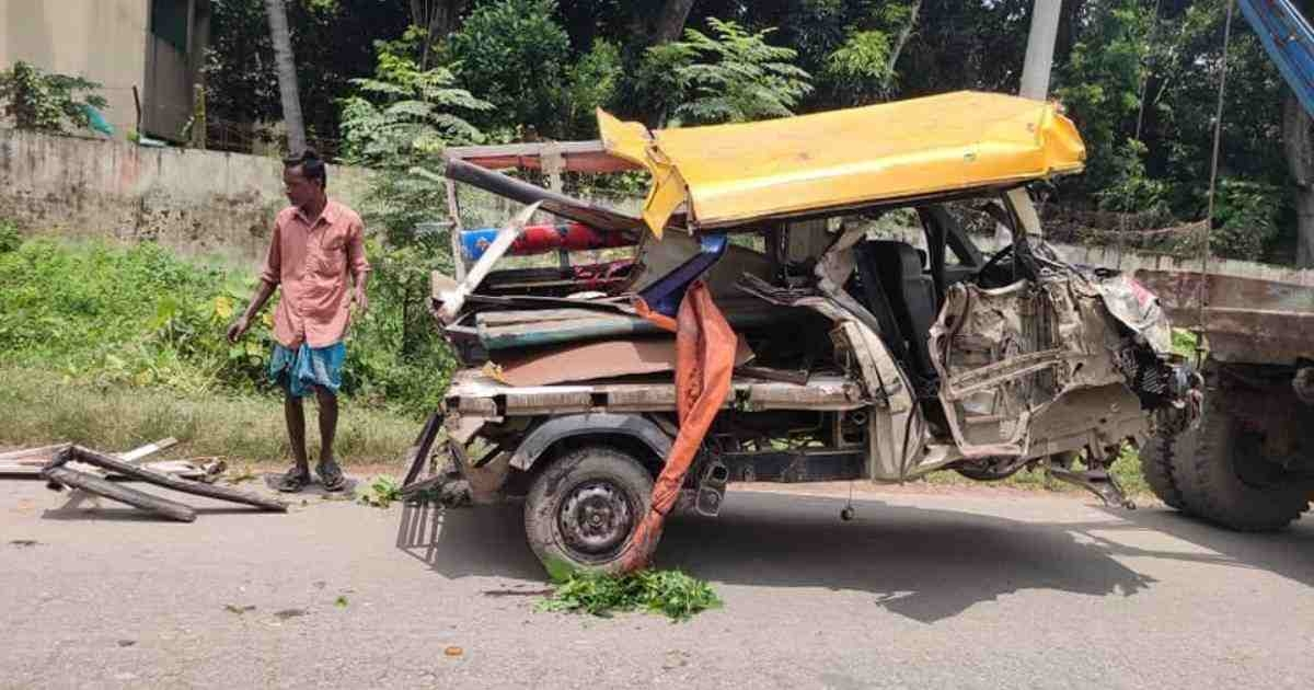 4 killed in Cumilla road accident