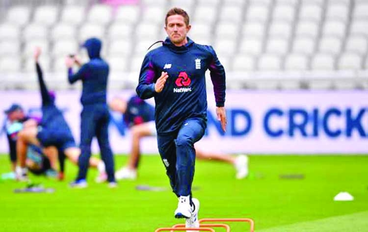 England name Denly in 14-man squad for Ireland ODIs