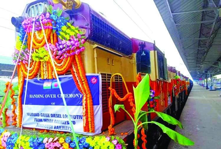 India gives 10 broad gauge locomotives to Bangladesh