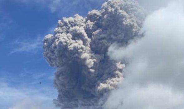 Indonesia's Sinabung volcano sends ash 5km into sky