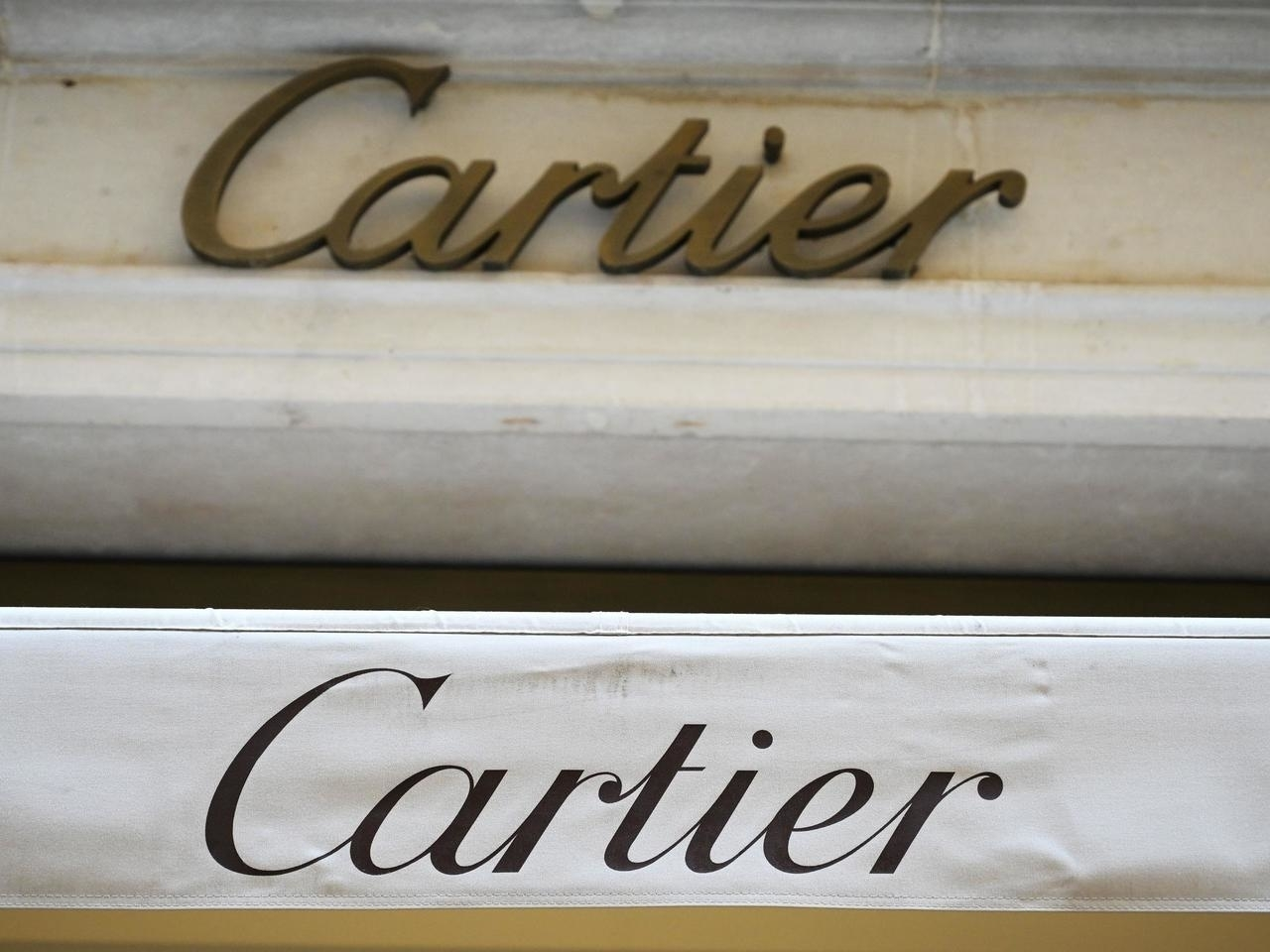 Scorn in China over Cartier's gay Valentine advert
