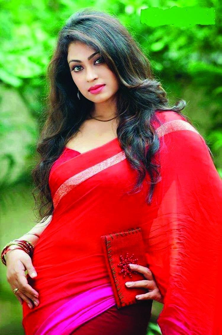 Popy as Purba in new movie 'Bhalobashar Projapoti'