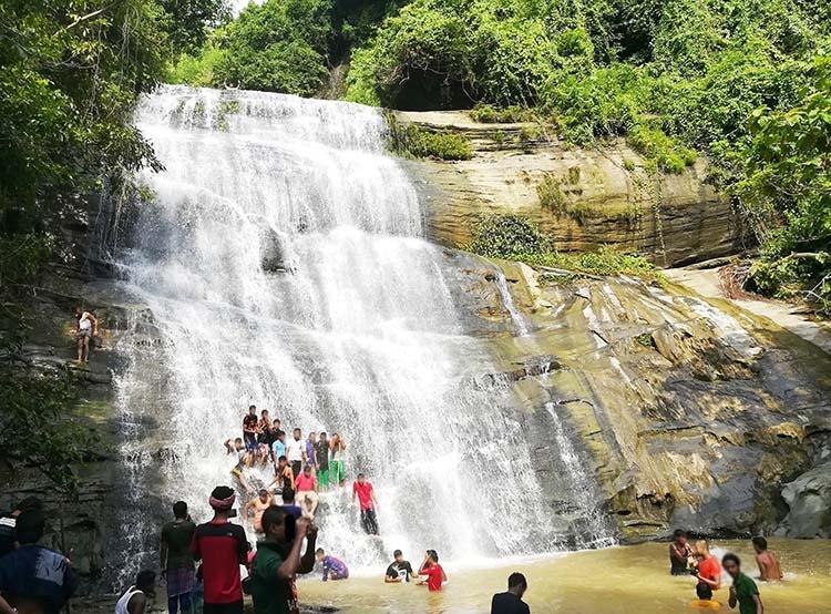 Khoiyachhora waterfall in Chittagong