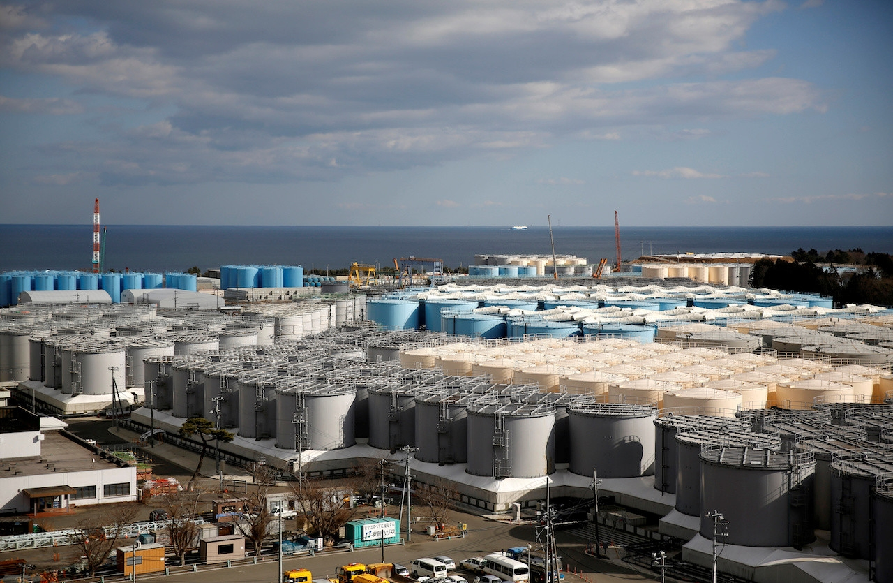 Japan 'to release radioactive water into sea'